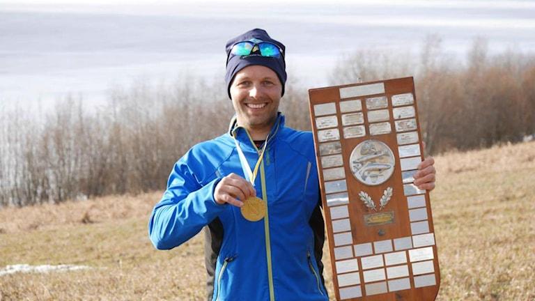 Martin Södergårds var såklart nöjd att ta hem guldet efter fyra timmars fiske.
