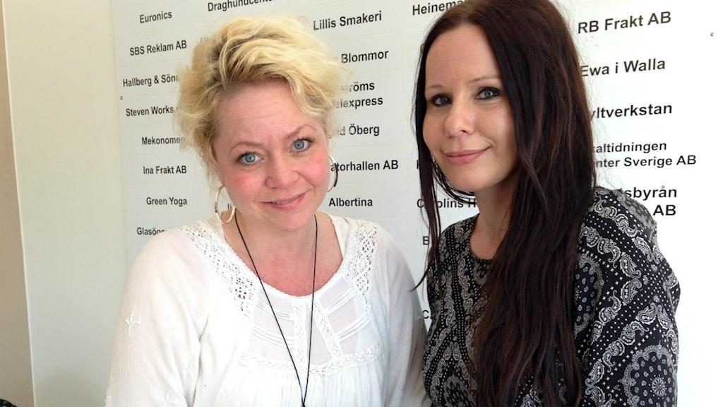 Anna Idell och Linda-Sofi Johansson Glad på Centrum för alla i Söderhamn.
