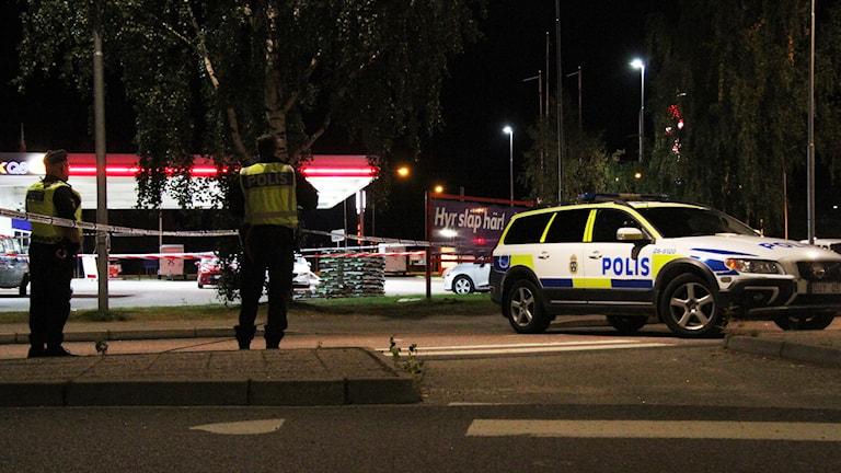 Polisavspärrningar efter storbråket i Bollnäs på måndagskvällen.