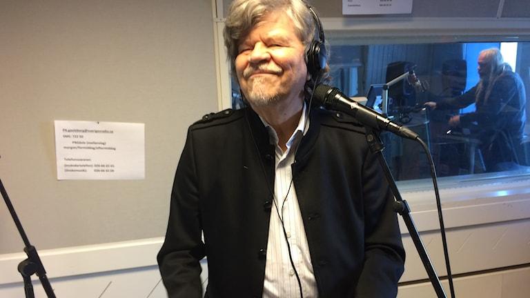 M.A Numminen live i studion.