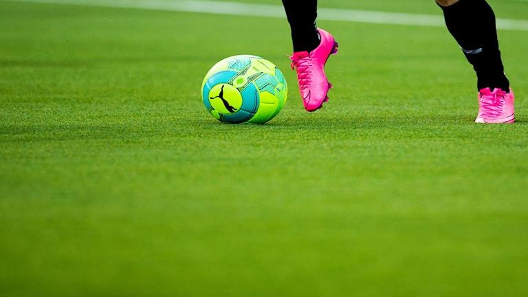 sdltb6aa8ce-nh fotboll fotbollskor konstgräs