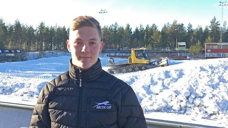 Nisse Kjellström vid stadioncrossbanan på Hällåsen som han själv har varit involverad i planeringen av.