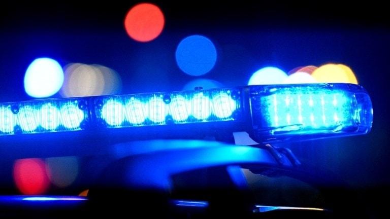 Blåljus på taket på polisbil