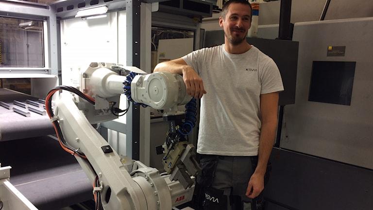Daniel Johanisson med robot HSP Gripen Hassela