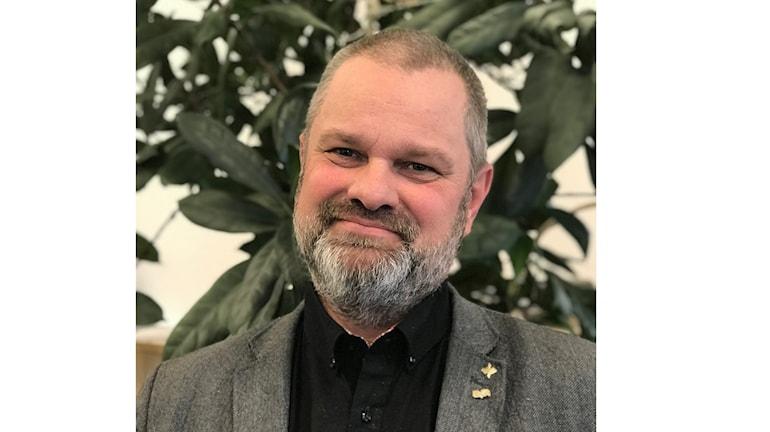 Divisionschef  Roger O Nilsson tänker spara miljoner. Foto: Tomas Groop/ Sveriges Radio