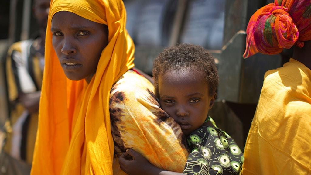Bilden tagen i Bandarero i norra Kenya i samband med en torka i mars 2017. Personerna på bilden har ingen koppling till fadderverksamheten.