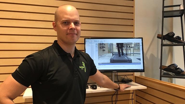 David Lagerberg, jobbar som fysioterapeut  på Fot och sko i Gävle