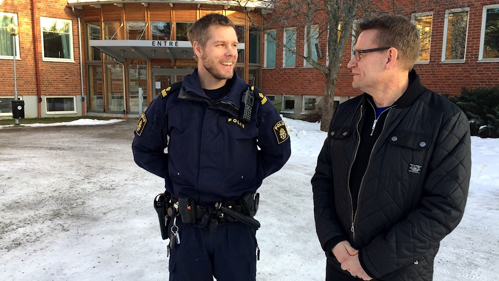 Ljusdal Slottegymnasiet Droger Förebyggade Drogpolicy Polisen Polis Narkotika Narkotikahund Genomsök Gymnasiet