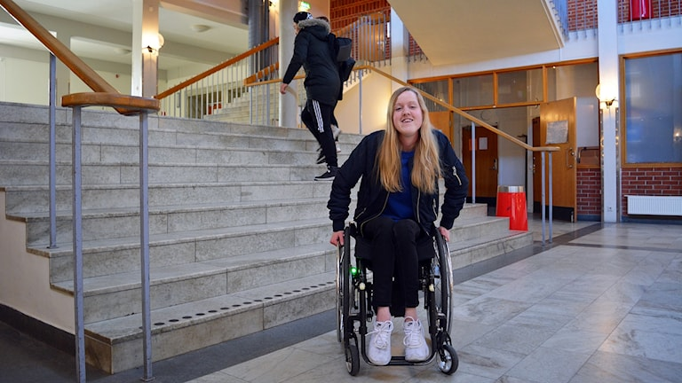 Är det jag eller samhället som är funktionshindrat? undrar förstagångsväljaren Cecilia Bostrand.