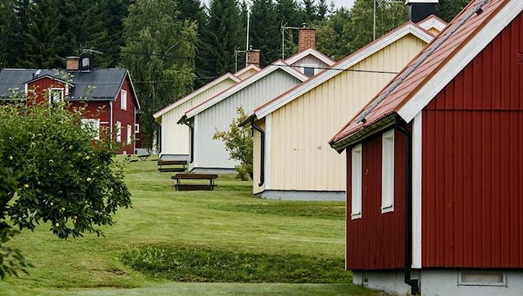 På anstalten Gruvberget norr om Ockelbo har kriminalvårdare vid flera tillfällen fått arbeta helt själva.