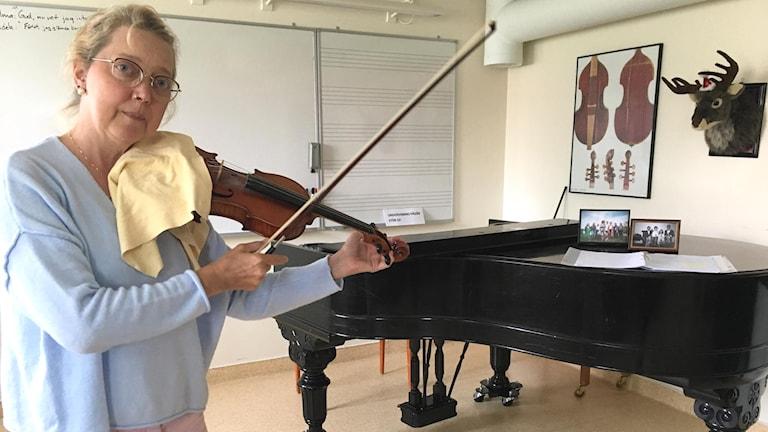 Karin Hans-Ers känner oro över att antalet sökande till musikutbildningar minskar.