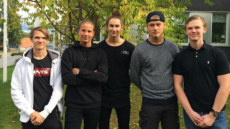 Felix Östlund, Jessie Hedlund, Patrik Yousif, Max Granström och Arve Bergström är de som startat UF-företaget.