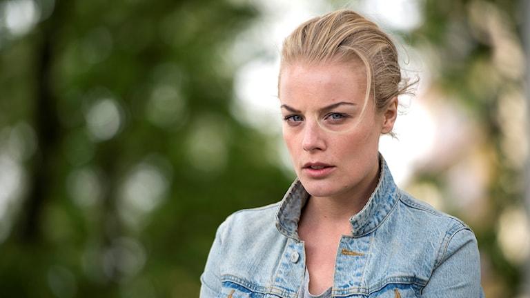 """Ida Engvoll, från Stråtjära utanför Söderhamn, spelar huvudrollen i TV4:s storsatsning """"Rebecka Martinsson""""."""