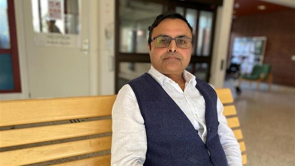 Shah Jalal, smittskyddsläkare