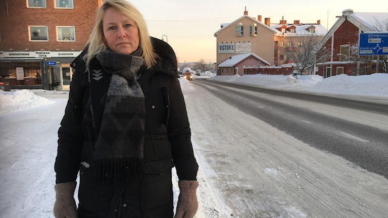 Carina Jarnas som är centrumledare i Ljusdal säger att nittio av hundra medlemsföretag är emot en flytt av genomfartsleden riksväg 84 från Norra Järnvägsgatan till Kyrksjönäsvägen.