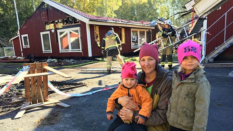 Karin Trolin med två döttrar som går på förskolan.