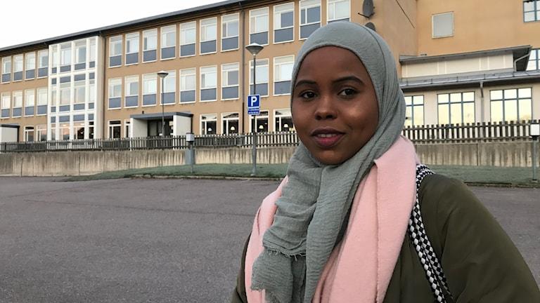 Hamdi Dahir från Hofors skriver Högskoleprovet för andra året, och hon hoppas på bättre resultat så hon kan läsa vidare till psykolog.