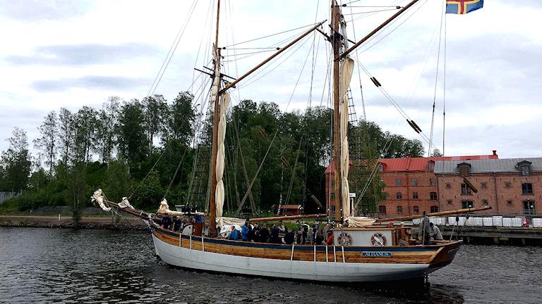 Galeasen Albanus lämnar Söderhamn.