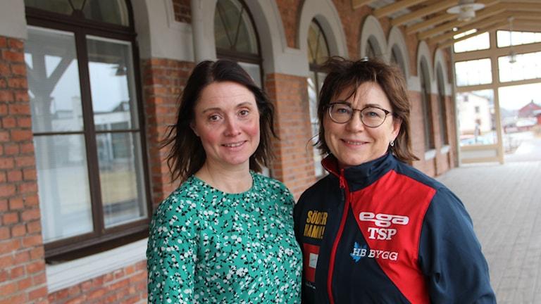 Jessica Dorf på Visit Söderhamn och Marit Brodd, Suif och Svenska Bordtennisförbundet, laddar närmast för SM i bordtennis i Söderhamn.