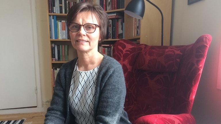 Berättandet är viktigt när man lever i exil säger Pia Visén som håller i språkarträffen på biblioteket i Edsbyn från 27 mars.