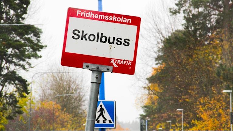 Få kommuner har koll på vilka chaufförer som transporterar elever till skolan.