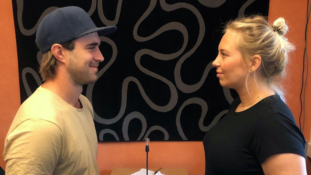 Det tidigare bandyspelande paret Niklas Prytz och Malin Andersson, spelade tidigare i Bollnäs respektive Skutskär – men nu har de bytt klubb med varandra.