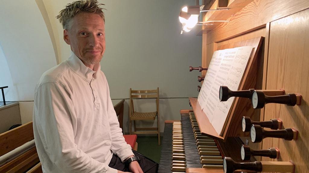 Kyrkomusikern Mats Hylander har tonsatt alla Sveriges 25 landskap.