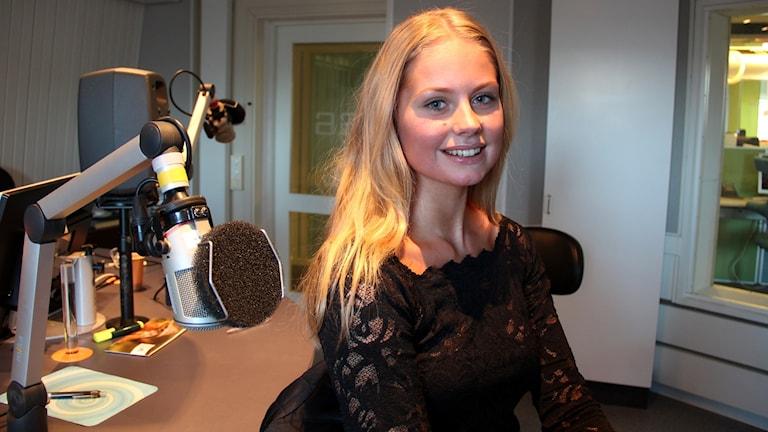 Hanna-Louise Haag Tuvér i studion.