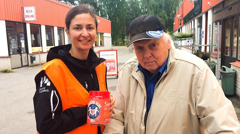 Rune Kallberg var en av dem som skänkte pengar till Världens barn under första dagen.