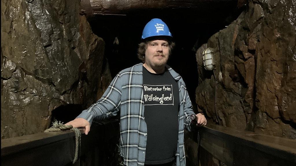 Guiden Robert Fors i koboltgruvan i Los.