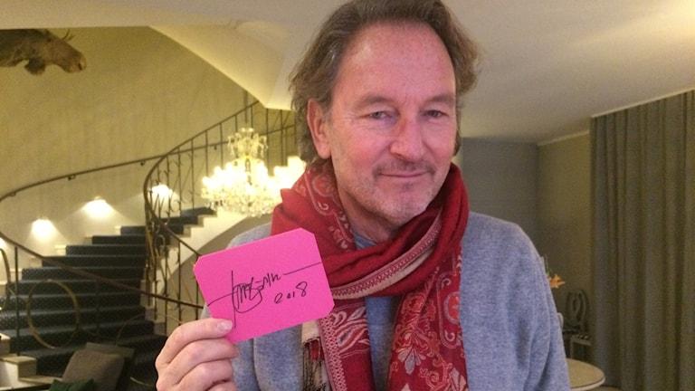Tomas Ledin signerade en isskrapa åt P4 Gävleborg.