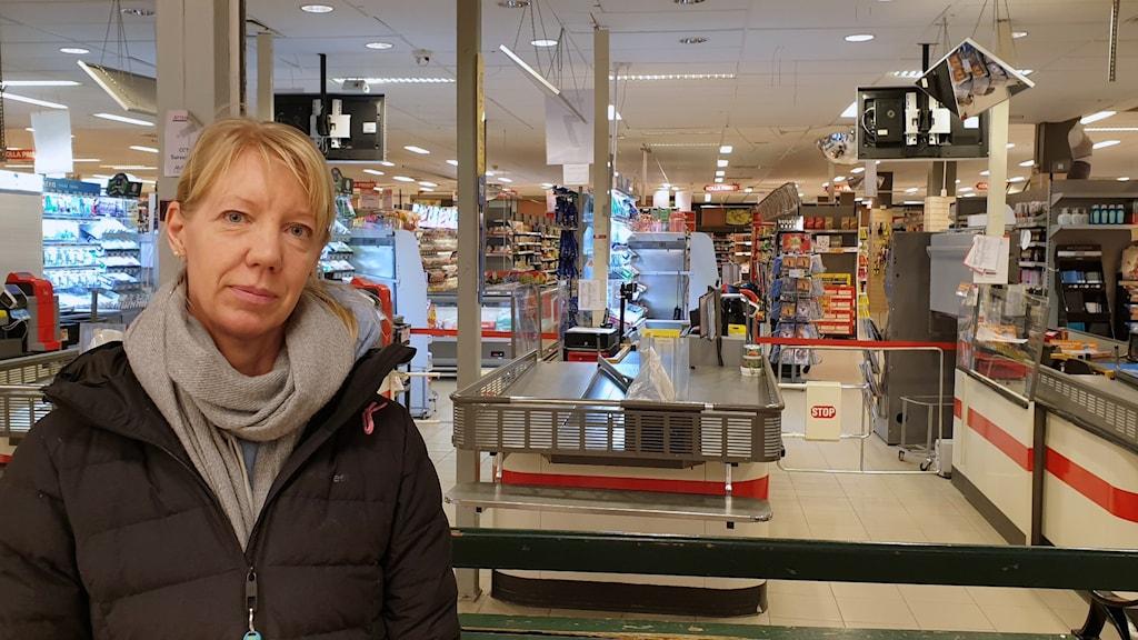 Anna Hultgren boende i Sätra oroas över det senaste dygnets händelser.