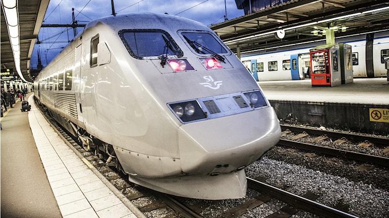 Tåget togs ur trafik i samband med att polisen ville förhöra vittnen ombord. Tåget på bilden är fotograferat i ett annat sammanhang.