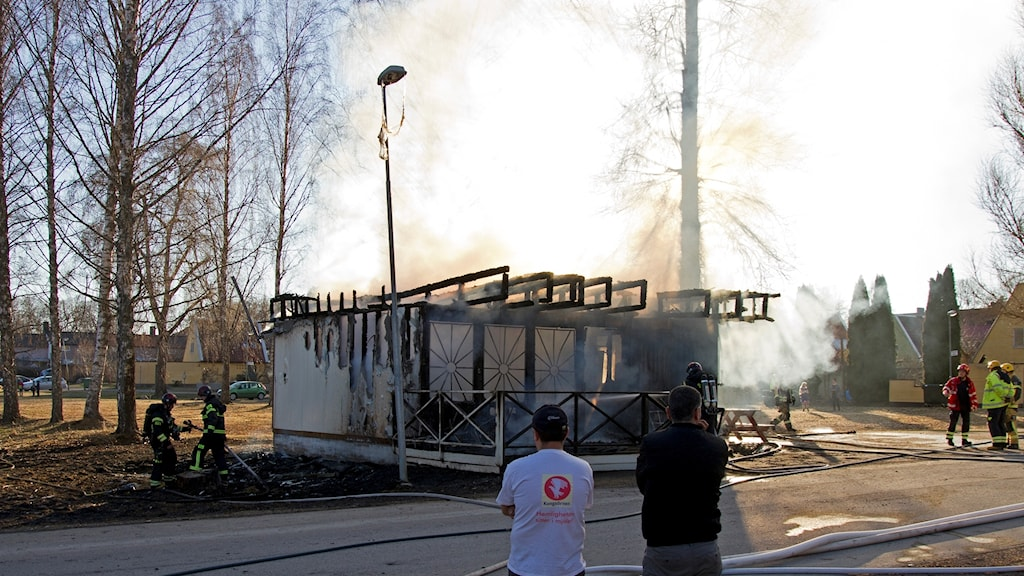 Brand på pizzeria.