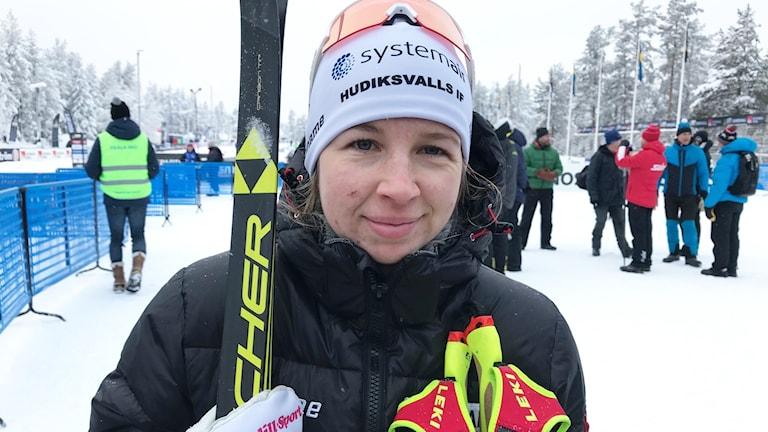 Evelina Settlin efter bronset på 10 kilometer klassiskt i Sundsvall.