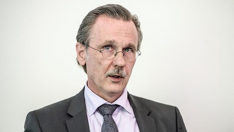 Tova Mobergs mördare vill byta till stjärnadvokaten Thomas Olsson.