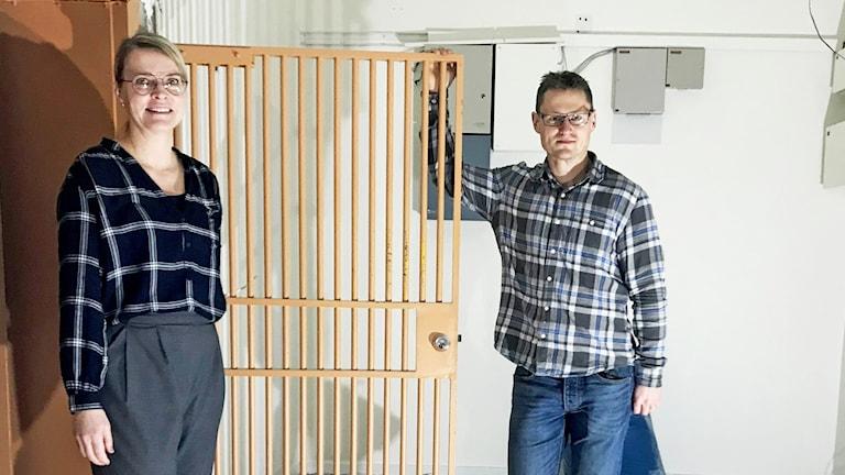 Mimmi Ekström och David Hedman, Ockelbo kommun, i det gamla bankvalvet.