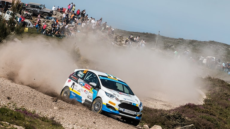 Det blev en fjärdeplats i Portugal för Emil Bergkvist från Torsåker i Junior-VM i Rally.