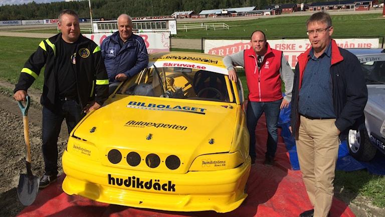 Joakim Palm, SMK Hälsinge, travmästaren Jan-Olov Persson, Mattias Frick, SMK Hälsinge och Mikael Löthstam kommunalråd.