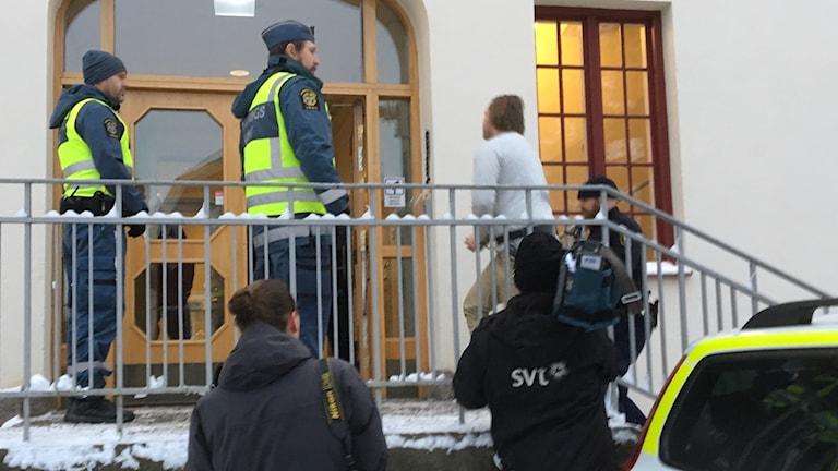 Pojkvännen har mördat Tova Moberg har Hudiksvalls tingsrätt kommit fram till.